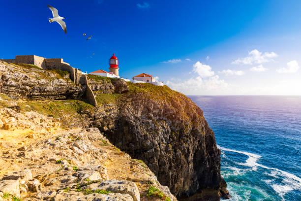 Leuchtturm von Cabo Sao Vicente, Sagres, Portugal. Farol do Cabo Sao Vicente (erbaut im Oktober 1851) Cabo de Sao Vicente ist die südwestliche Spitze Europas, Sagres, Portugal. – Foto