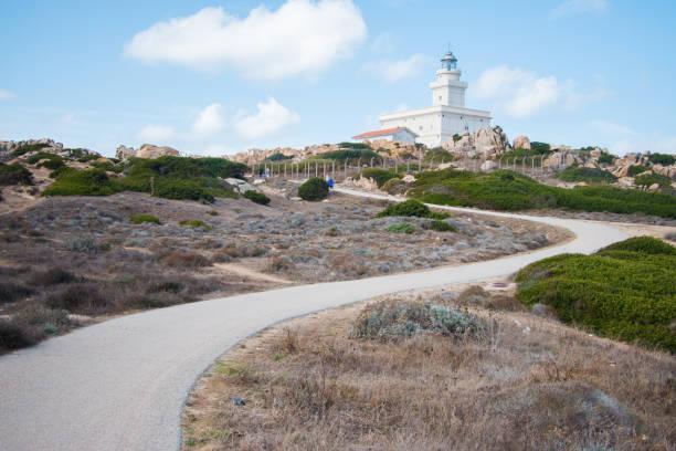 leuchtturm von capo testa in santa teresa - palau sardinien stock-fotos und bilder