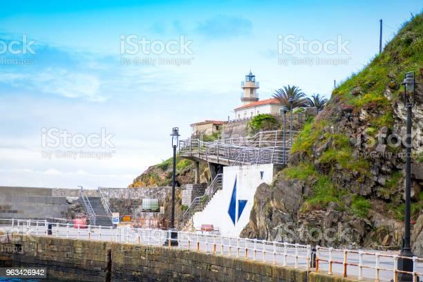 Latarnia Morska Cudillero Asturia Hiszpania - zdjęcia stockowe i więcej obrazów Asturia