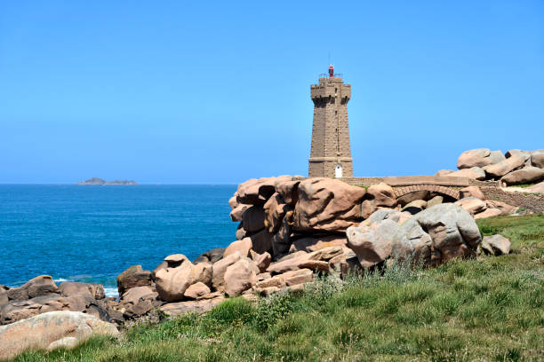 lighthouse of ploumanac'h in france - english channel stock pictures, royalty-free photos & images