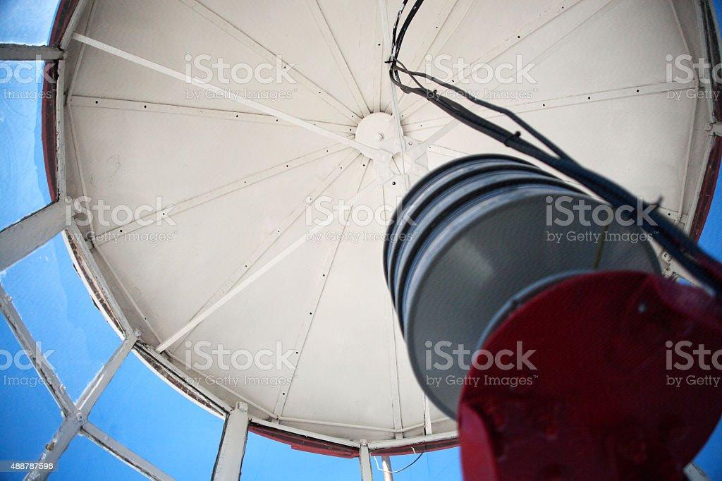 Farol Top dentro de Ângulo Baixo vista do interior em dia ensolarado foto royalty-free
