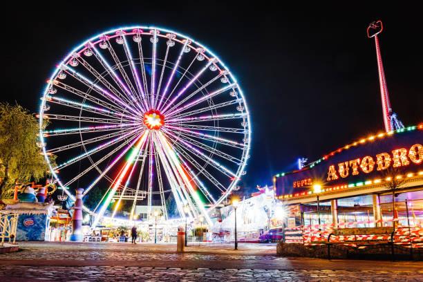 Lighting ferris wheel at night in famous prater theme amusement park picture id1159085166?b=1&k=6&m=1159085166&s=612x612&w=0&h=w4yiiolbmmvovwksvgiitsumns7ijyczbbwwh1q9qnq=