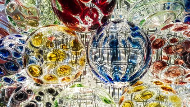 Beleuchtung der bunten Kristallkugel – Foto