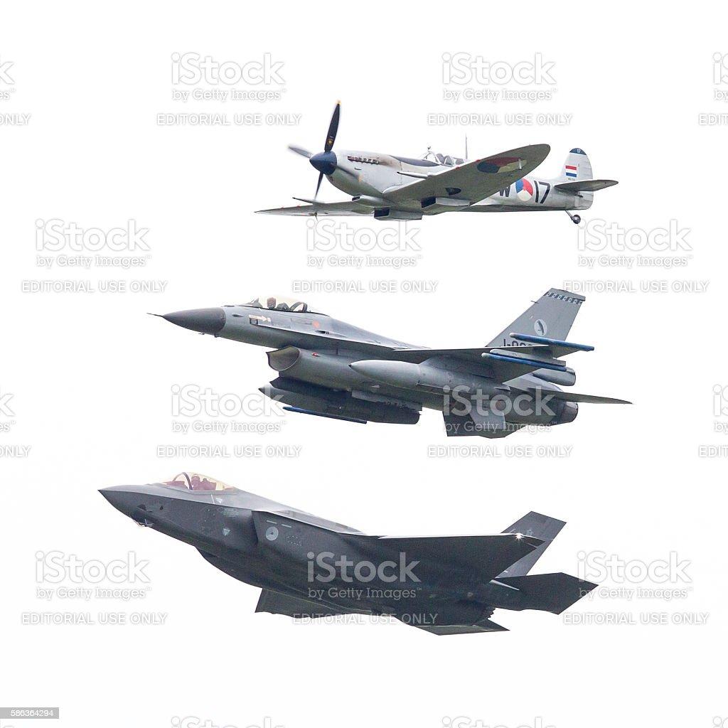 F - 35 Lightning II, F-16 y Spitfire - foto de stock