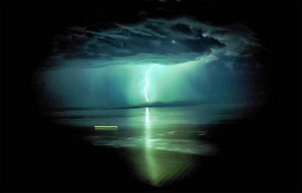 lightning over lake baikal - greve imagens e fotografias de stock