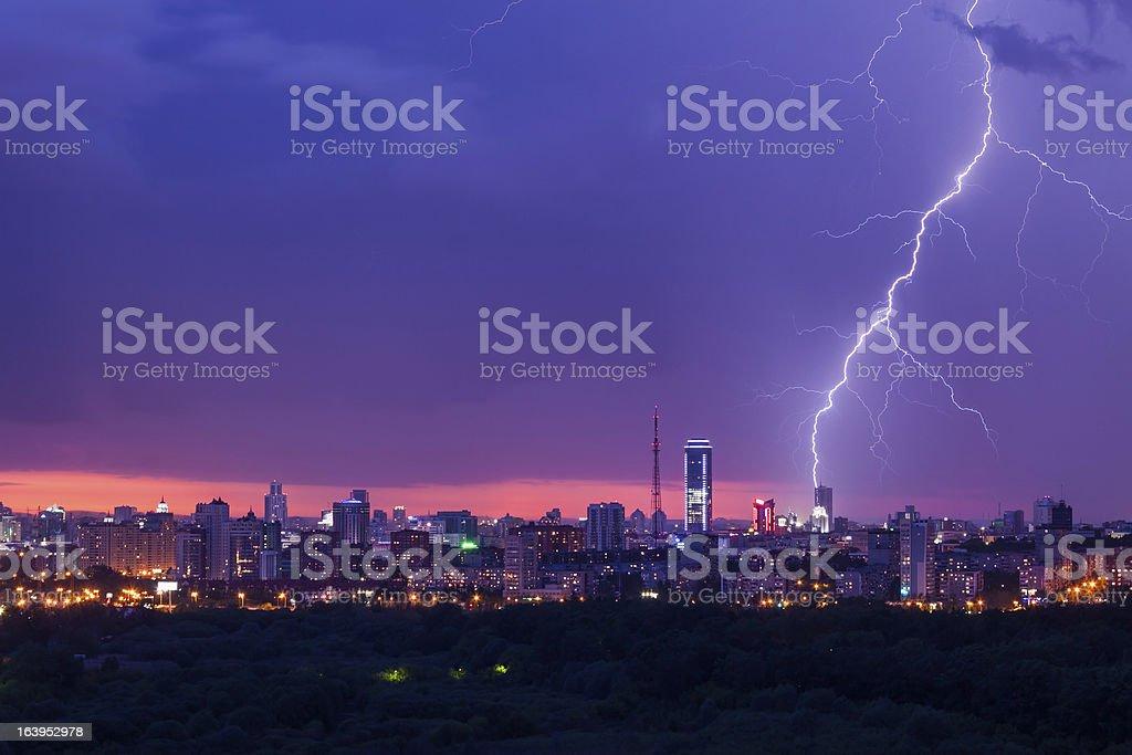 Blitz Sturm über die Stadt – Foto