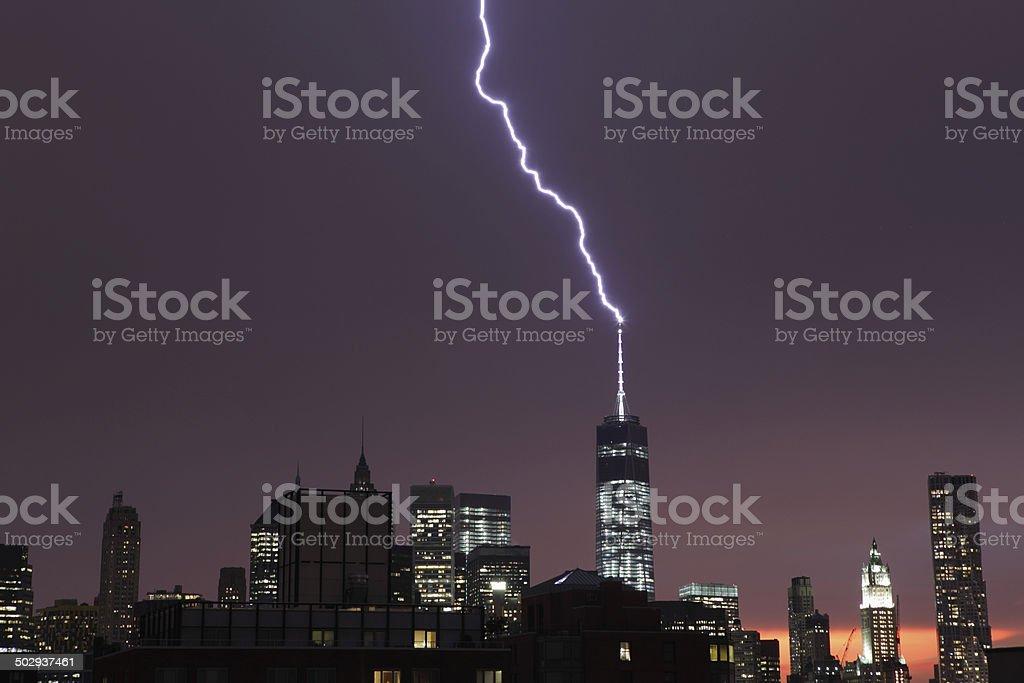 Lightning strikes das World Trade Center in New York City – Foto