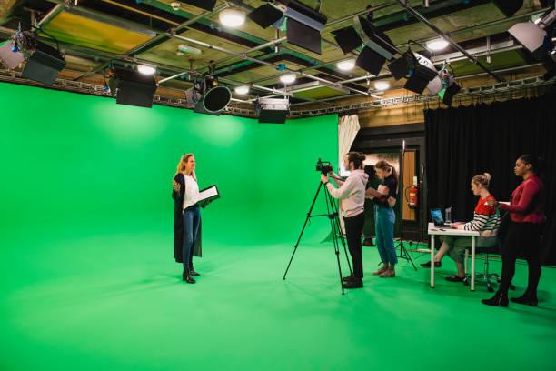 lights.. camera.. action! - videocamera foto e immagini stock