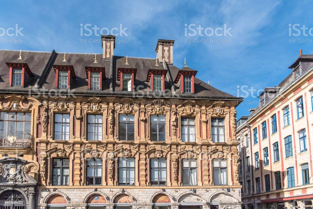 里爾, 美麗的古代門面 - 免版稅上法蘭西大區圖庫照片
