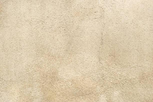 piedra caliza, piedra arenisca rosa fondo de pared. superficie meteorizada, vintage, vacía de telón de fondo. de cerca. - estuco fotografías e imágenes de stock