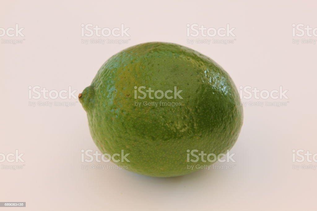 Limette, Nahaufnahme, auf weissem Hintergrund stock photo