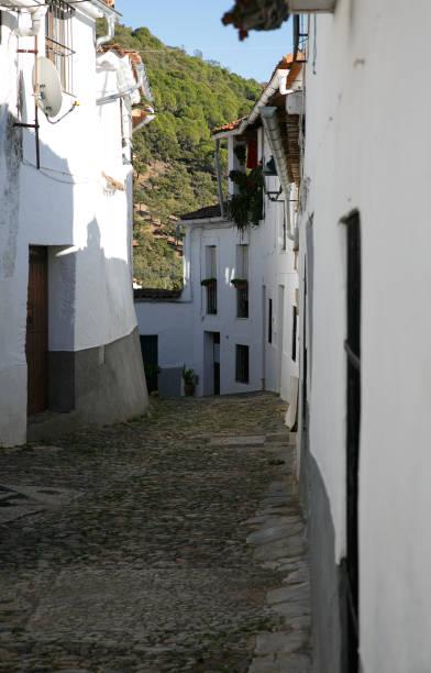 Linares de la sierra small town in spain picture id897017190?b=1&k=6&m=897017190&s=612x612&w=0&h=m9sq o02heuyiuuf7jfpp 2m4q2ibvb6vqogybezkwi=