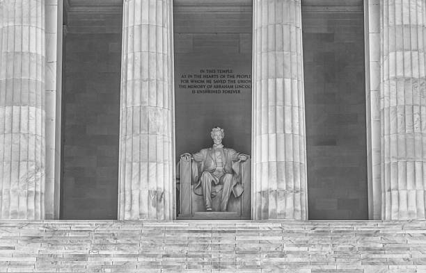 lincoln memorial in washington dc - close up duotone - martin luther king jr stok fotoğraflar ve resimler