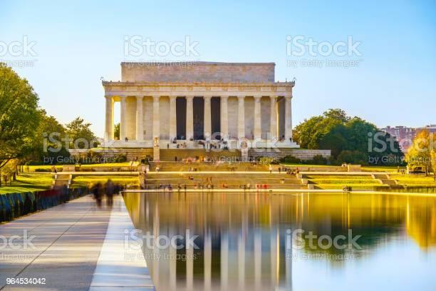 Lincoln memorial in washington dc picture id964534042?b=1&k=6&m=964534042&s=612x612&h=hzork36ig1hip3kc uqal2enypqa 5nexqajgbbntrq=