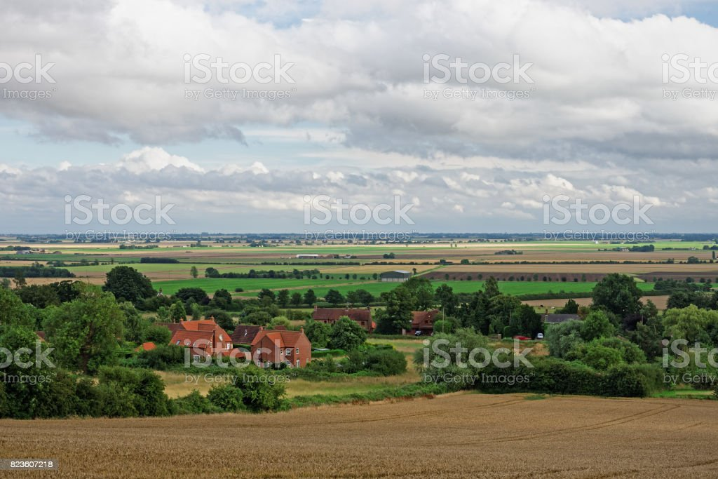 Lincolnshire Fens, visto a partir de uma colina em Wolds - foto de acervo