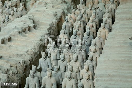 istock Line of soldiers in the Terracotta Army 171341040