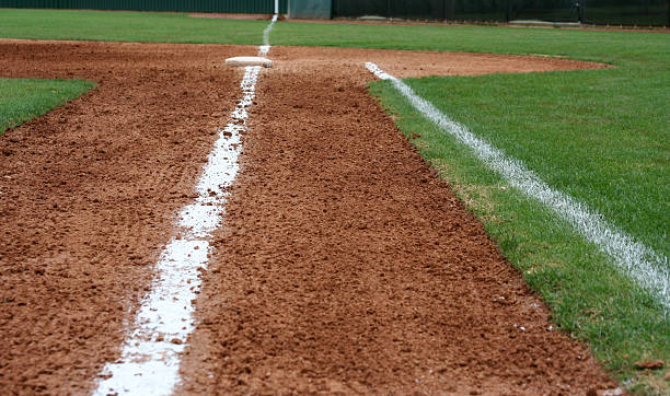 Line to First Base Baseball line to First Base infield stock pictures, royalty-free photos & images