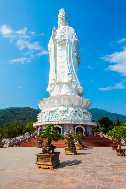 Linh Ung Pagoda in Danang Lady Buddha statue at the Linh Ung Pagoda in Danang city in Vietnam bodhisattva stock pictures, royalty-free photos & images