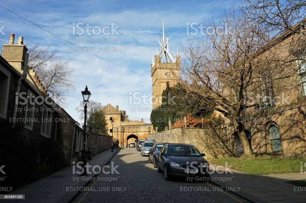 Fotografía de Palacio De Linlithgow Y St Michael Church y más banco ...