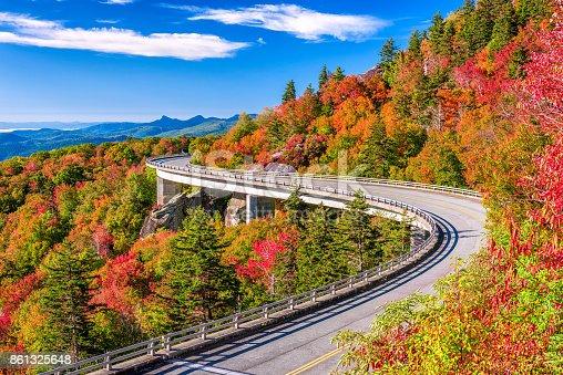 Linn Cove Viaduct, Grandfather Mountain, North Carolina, USA.