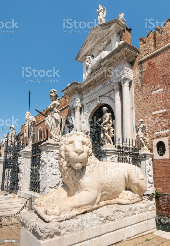 estátua do leão para o Arsenal de Veneza, Veneza, Itália - foto de acervo