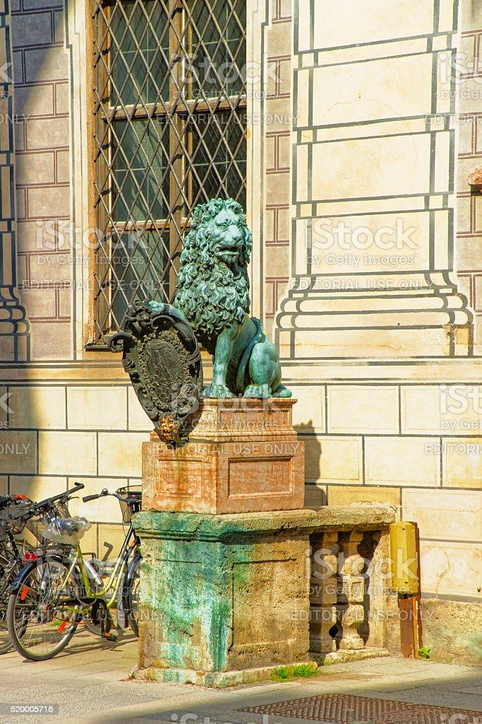 Löwen-statue in der Nähe von München Residenz in München, Deutschland – Foto