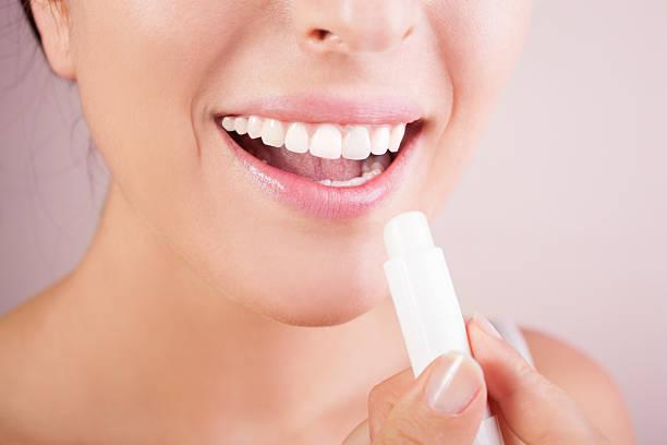 lippen care - labello stock-fotos und bilder