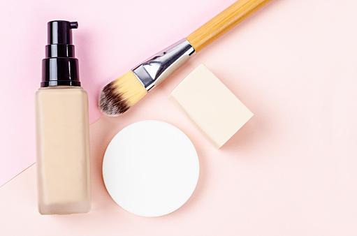 corrector-maquillaje Imagenes y fotos Premium de Istock