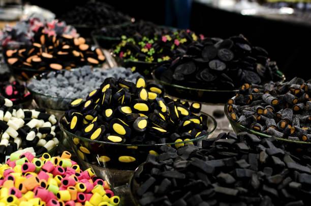 liquorice sweets candies - liquirizia foto e immagini stock