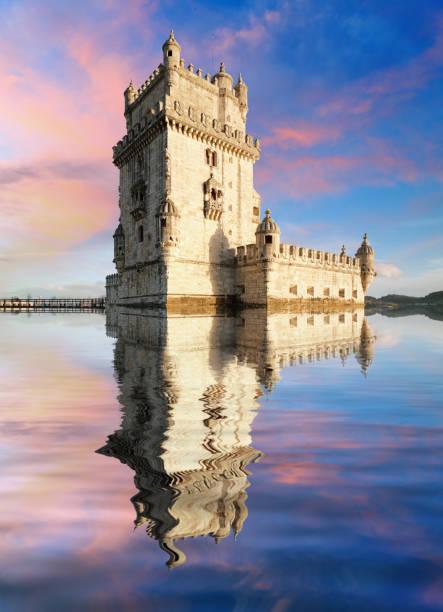 lissabon, turm von belem - tejo, portugal - hochmittelalter stock-fotos und bilder