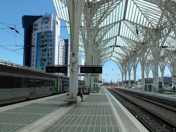 lisbon oriente train station, portugal, europe, people waiting for train scenery - resultados lisboa imagens e fotografias de stock