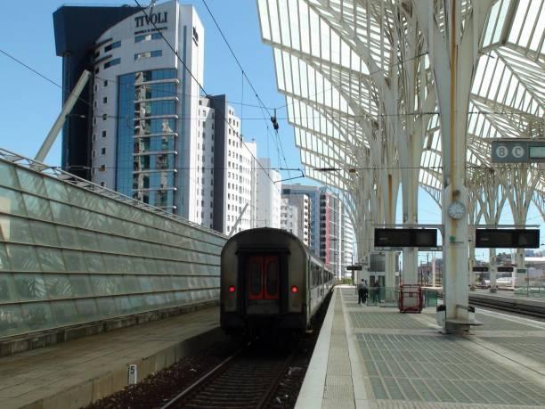 lisbon oriente train station, portugal, europe, people waiting for train - resultados lisboa imagens e fotografias de stock
