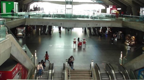 lisbon oriente train station, portugal, europe, people walking - resultados lisboa imagens e fotografias de stock
