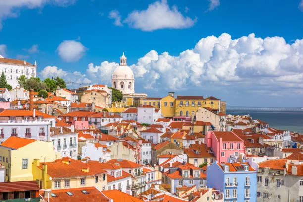 lizbona, portugalia stare miasto panoramę - lizbona zdjęcia i obrazy z banku zdjęć