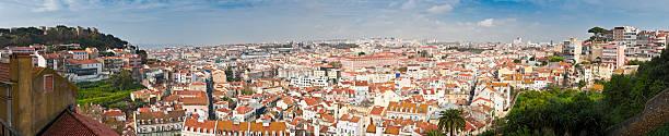 telhado panorama de vista da cidade de lisboa, portugal - cristo rei lisboa imagens e fotografias de stock