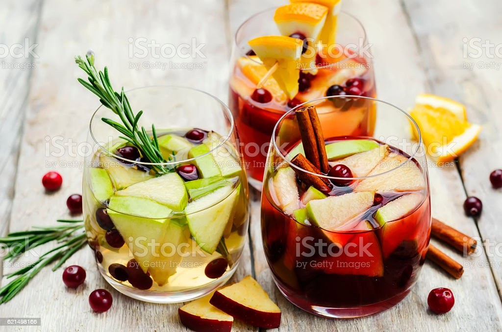 List of sangria with red, pink and white wine photo libre de droits