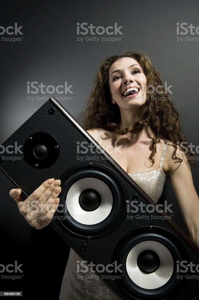Ascoltare musica foto stock royalty-free