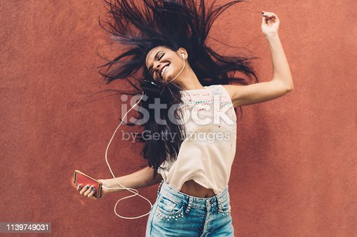 545098584 istock photo Listening to the music 1139749031