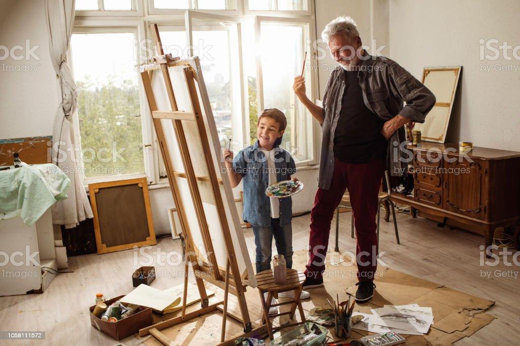 Peu d'artiste et grand-papa - Photo