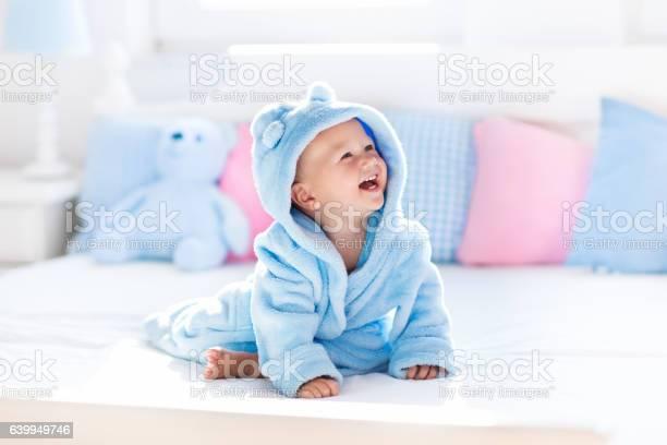 Little baby in bathrobe or towel after bath picture id639949746?b=1&k=6&m=639949746&s=612x612&h=ogy0hbsiofx7sm6hp3not6p0qkxhhy nn7lmaoxtunc=