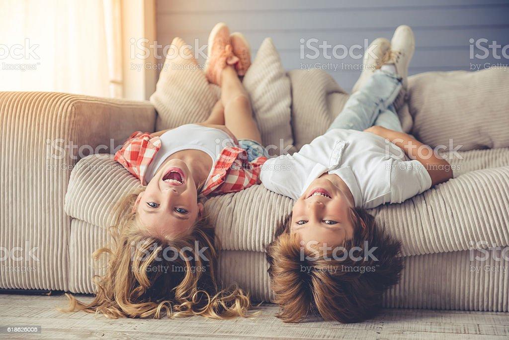 Little boy and girl foto de stock libre de derechos