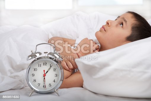 istock Little boy cant sleep 885851630