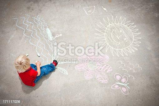 istock Little Boy Drawing 171117026