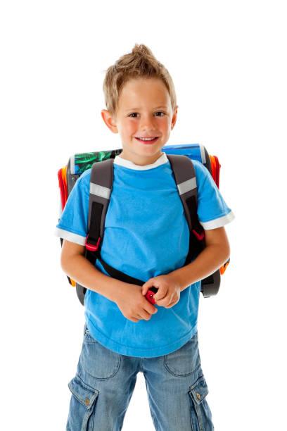 kleiner junge in die schule gehen - liebeskind umhängetasche stock-fotos und bilder