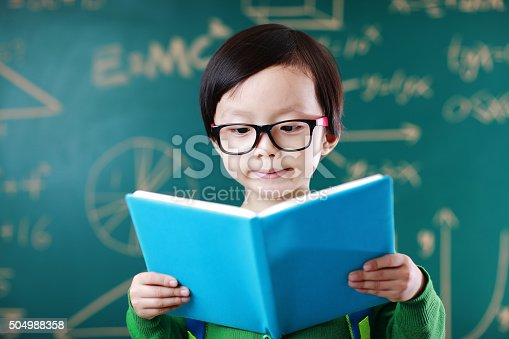 istock Little boy going to school 504988358