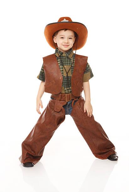 Kleine Junge in cowboy-Kleidung – Foto