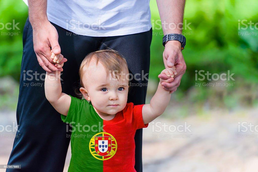 Menino em Portugal bandeira camisa - foto de acervo