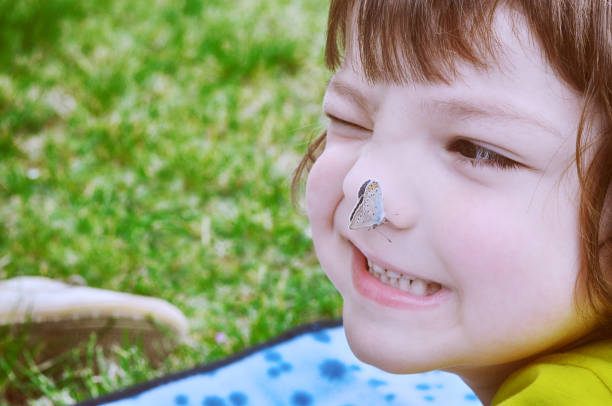Little boy looks a butterfly on nose picture id1072442626?b=1&k=6&m=1072442626&s=612x612&w=0&h=a7aozqxwuzkynz5c5m1s0oixeqhakcriaq2nfyc6c30=