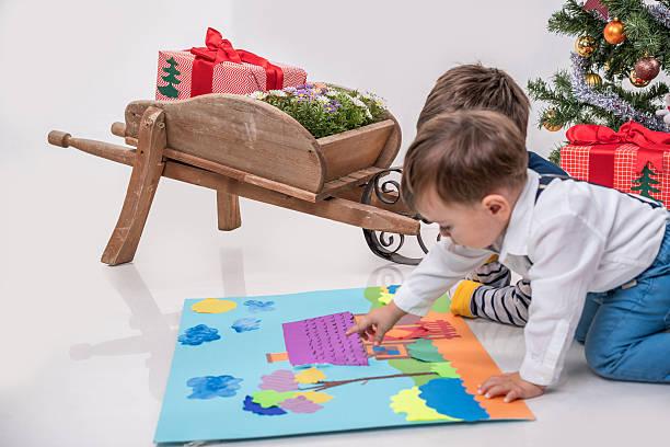 jungen zeichnung bilder - weihnachtsbilder zum ausmalen stock-fotos und bilder