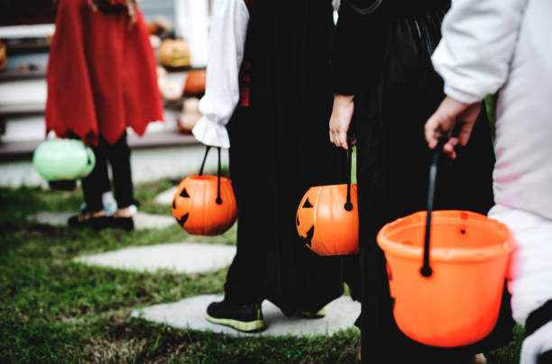 Petits enfants en costumes d'Halloween - Photo